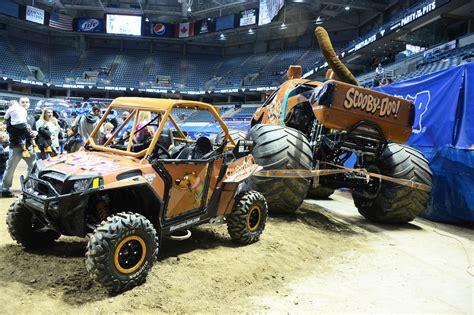 monster truck show milwaukee monster jam milwaukee 2015