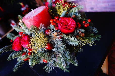 composizioni fiori natale composizioni per natale fioraio signorelli