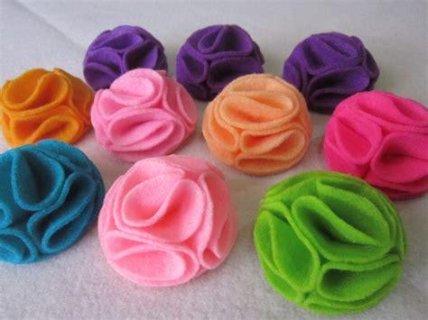 cara membuat bunga dari kain flanel untuk taplak meja kerajinan tangan dari kain flanel sederhana dan mudah
