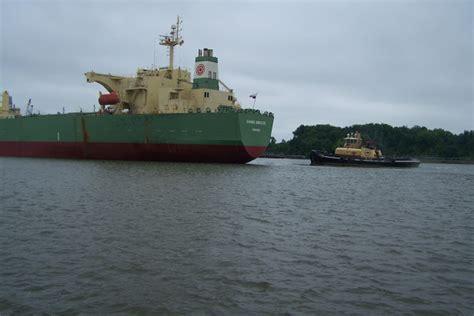 tugboat life tugboat life tugboat wife tug bulldog at work