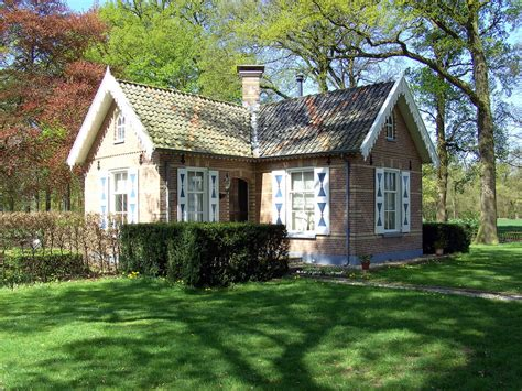 small nice house nice house in the forest www pixshark com images
