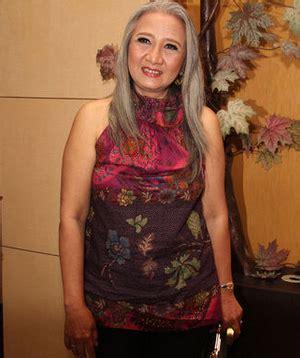 Bio Sekarang biodata yati surachman lengkap aktris legend yang masih