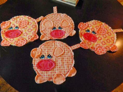pattern pot holder this little pig pot holder pattern by jfox craftsy