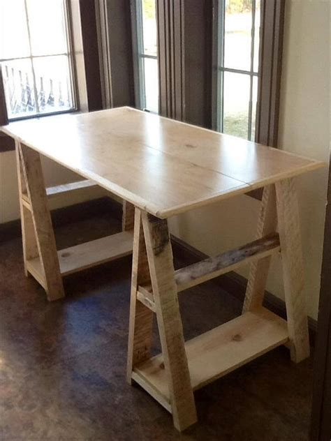 wood pallet sawhorse desk design  pallets