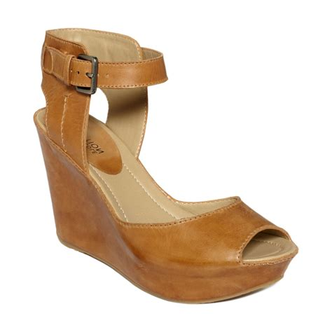 kenneth cole reaction wedge sandals kenneth cole reaction sole my wedge sandals in brown