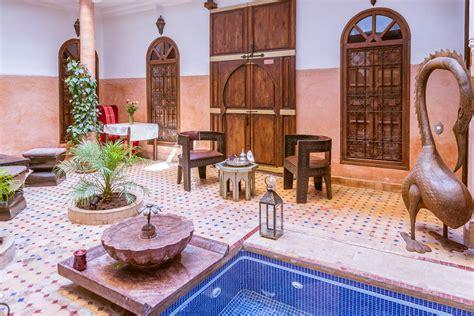 maison marocaine avec patio location maison marrakech riad tchina