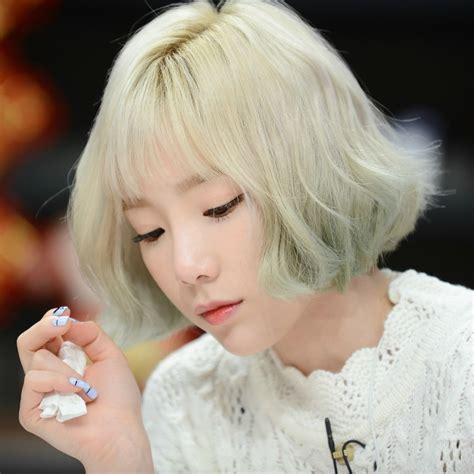 Taeyeon Hairstyle by 13 Photos Unveil Taeyeon S Drastic New Hairstyle Change