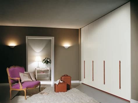 maniglie per armadi a muro armadio modulare con maniglie in legno per camere da