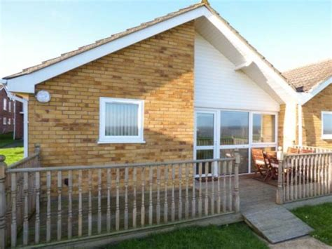 Cottages In Great Yarmouth by Seas The Day With View Cottage In Great Yarmouth