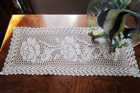 new white filet crochet dresser scarf runner climbing roses