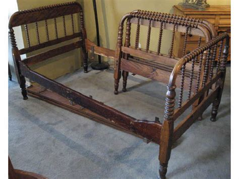 spool bed a pair of jenny lind single beds spool turned 1287710