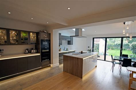Rear extension and modern kitchen design & refurb in New