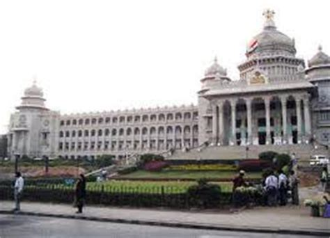 Best Place For Mba In Chennai by Delhi Bangalore Best Places To Study Survey Topnews