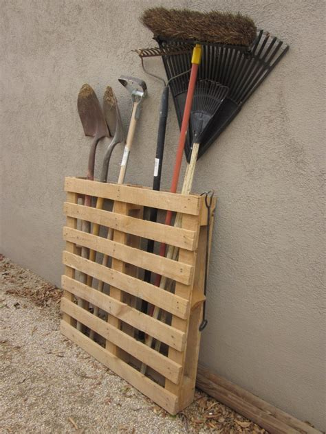 Garage Storage Yard Tools Diy Furniture Projects Made Of Whole Pallets