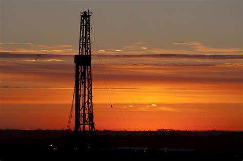 baker hughes rig count baker hughes us rig count by 12 canadian count