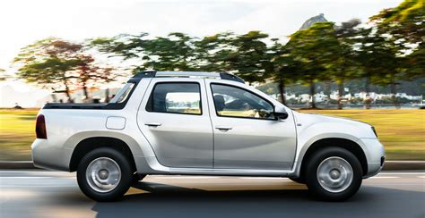 renault duster oroch up truck launched in brazil