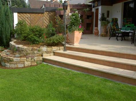 steinmauer terrasse terrasse steinmauer gartenideen