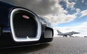 Eurofighter Vs Bugatti El Bugatti Veyron Se Atreve Con Todo Incluso Con Un