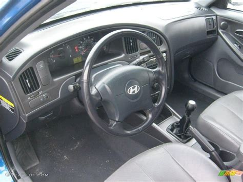 2005 Hyundai Elantra Interior by 2005 Hyundai Elantra Gt Hatchback Interior Photo 41637527 Gtcarlot
