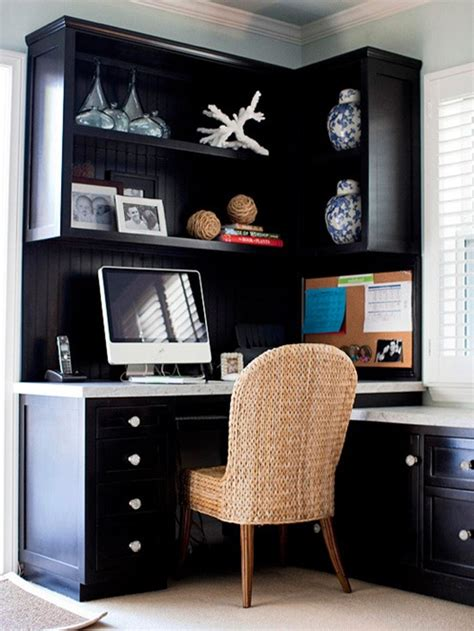corner office desk on business office decor