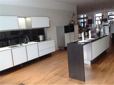 luxuriöse küche einzelbett mit stauraum