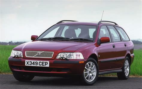 volvo hatchback 2002 volvo v40 estate review 1996 2004 parkers