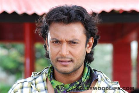 biography of kannada film actor darshan kannada actor darshan get latest news movie reviews