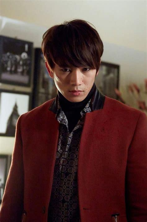 kill me me look kill me heal me starring ji sung and hwang