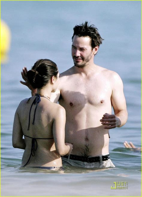china chow hot photos hot pictures videos news gossips keanu reeves chows down china photo 1229811 bikini
