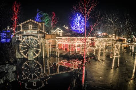 dollywood lights 2017 pigeon forge lights and winterfest 2017 autos post