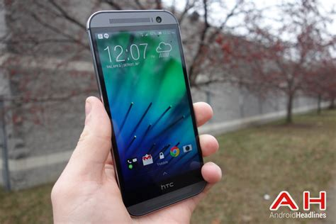 mobile htc m8 phone comparisons htc desire 820 vs htc one m8