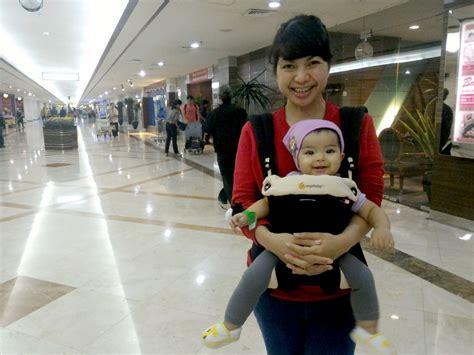 Gendongan Bayi Review review gendongan bayi part 2 ergobaby 360 mesayu rini