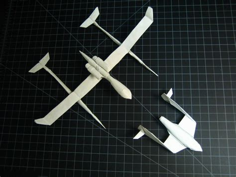 Origami Spaceship - spaceship one and white