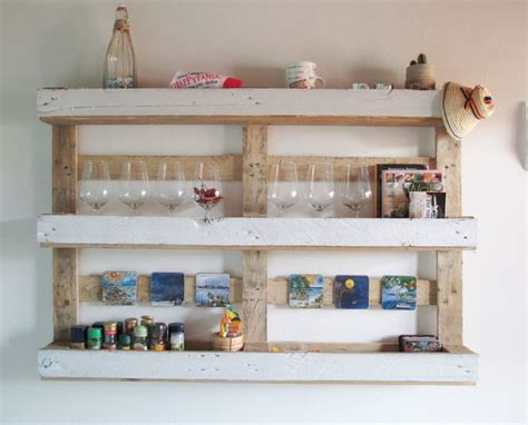 come costruire una mensola in legno riciclo creativo dei bancali di legno il tutorial per una