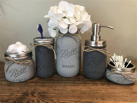 mason jar bathroom decor 25 best ideas about mason jar organizer on pinterest mason jar bathroom apple
