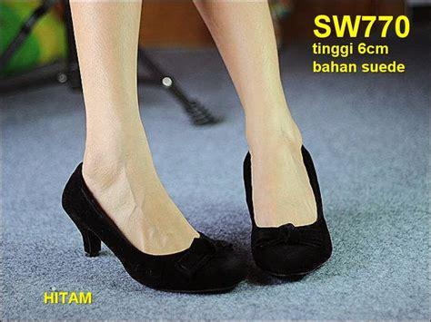 Sepatu Wanita No 39 Wedges Hitam Ht 11 sepatu kantor sepatu kerja murah toserba