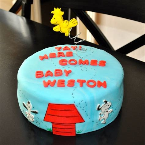 Snoopy Cake Decorations by 17 Best Ideas About Snoopy Baby Showers On