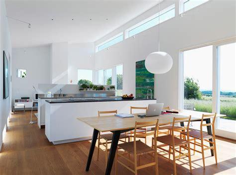 U Kitchen Design by Cuisine Design Blanche Avec Un Parquet En Bois