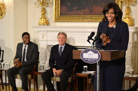 michelle obama recibe  harrison ford en la casa blanca