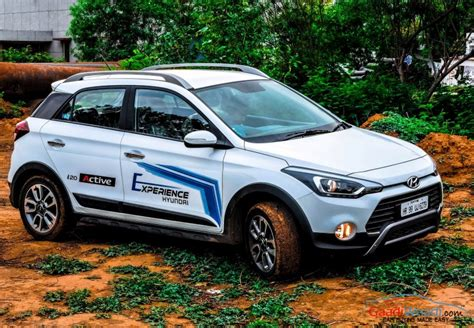 Hyundai i20 Active roof rails   Gaadiwaadi.com   Latest