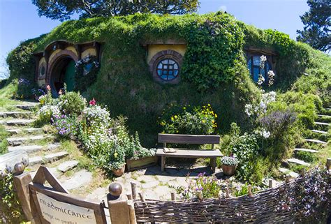 the hobbiton movie set new zealand world for travel touring the hobbiton movie set new zealand worth it or