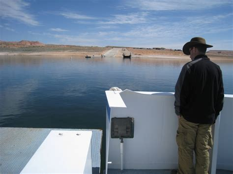 bow lake boat access bullfrog marina offers best access to lake powell from