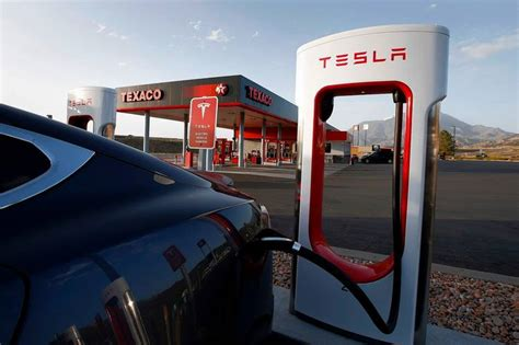 tesla charging stations tesla owners frustrated by recharge waits wsj