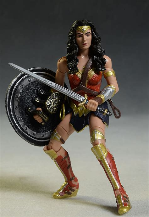 Figure Wonderwoman review and photos of mattel batman vs superman