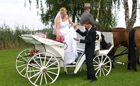 Kutsche Hochzeit by Auto Oder Kutsche Zur Hochzeit Beziehungstipps Vom