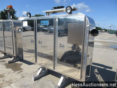 Enclosed Headache Rack by Used Merritt Enclosed Headache Rack For Sale In Pa 26069