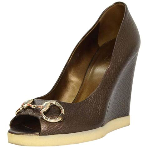 Herrings Gucci Style Chain Peep Toes by Gucci Bronze Leather Peep Toe Wedges Sz 37 For Sale At 1stdibs