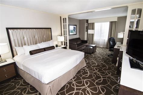 two bedroom suites niagara falls hilton hotel and suites niagara falls fallsview hotel