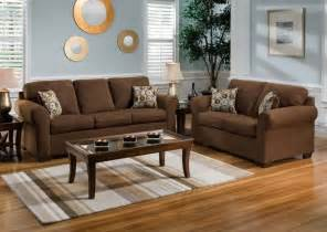 brown sofas in living rooms 25 best ideas about chocolate brown couch on pinterest