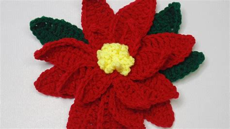 pattern crochet poinsettia crochet poinsettia flower pattern allfreecrochet com